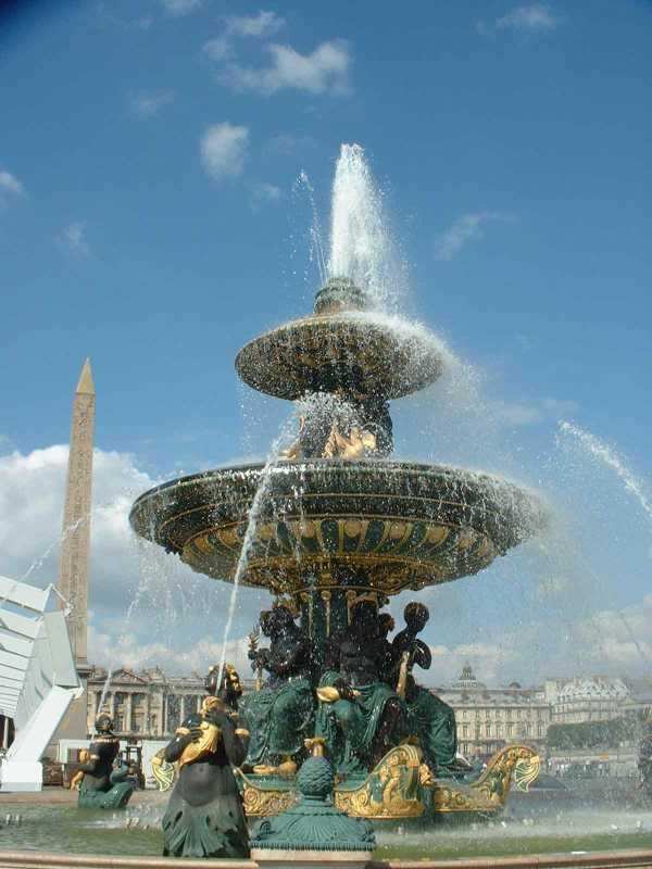 フランスのコンコルド広場にある噴水